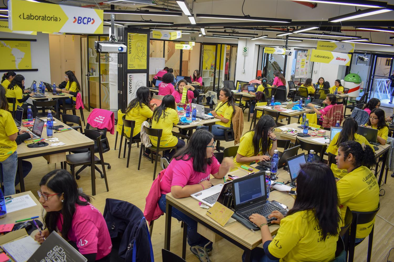 5-beneficios-hackathon-transformar-talento-empresa